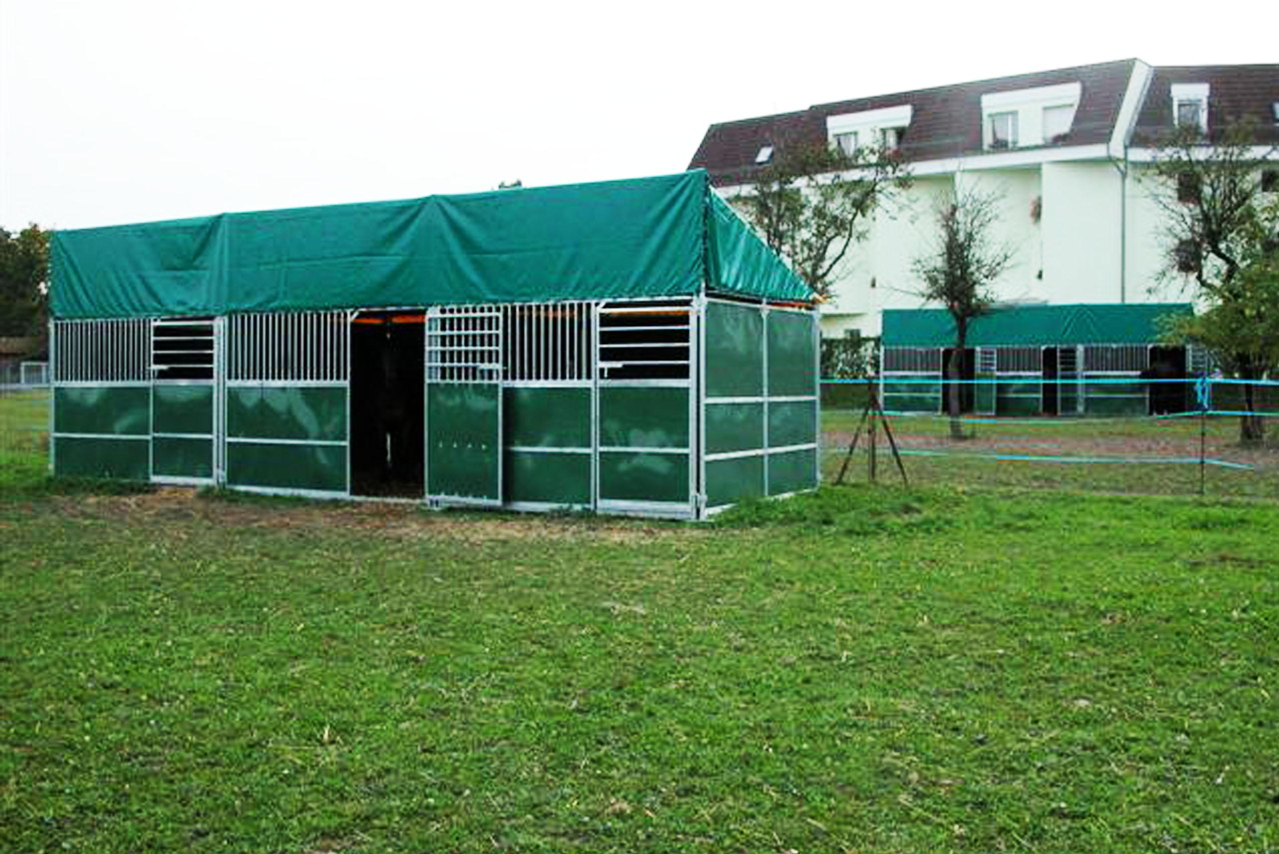 abris-boxes-exterieur-chevaux-association-les-amis-du-cheval-de-strasbourg